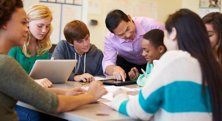 Transição escolar: amenizando a mudança do Ensino Fundamental para o Ensino Médio